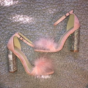 MISSGUIDED PINK GLITTER AND FEATHER BLOCK HEELS 💖